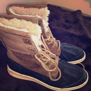 Men's UGG boots. Size 8